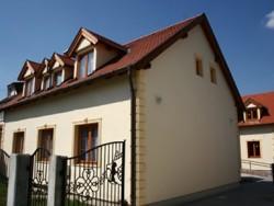 Apartmánový dom Familia Sárvár