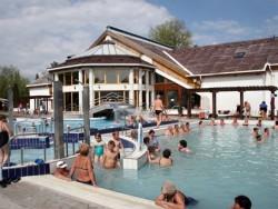 Nyár a Zsóry fürdőben Mezőkövesd